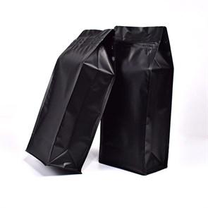 Восьмишовный пакет черный 135+65х205 мм с замком и плоским дном